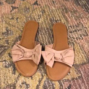 Old Navy Bow Sandal 8